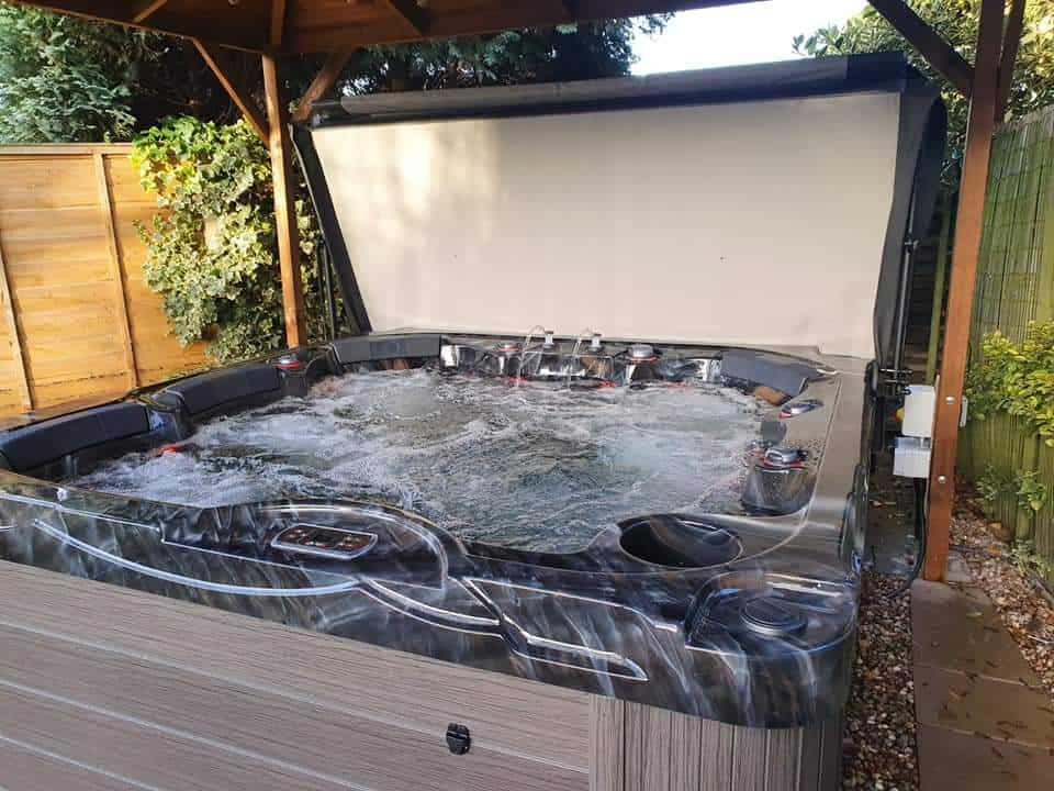 Fiji hot tub