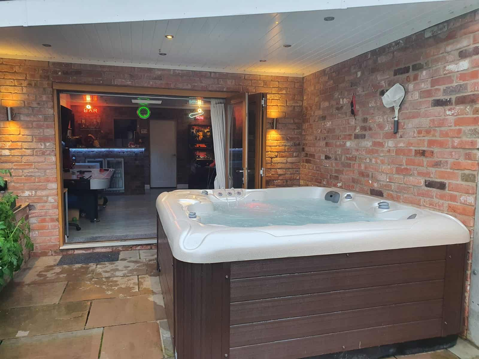 Sapphire hot tub review