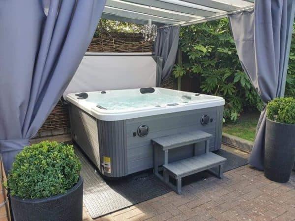 refresh hot tub