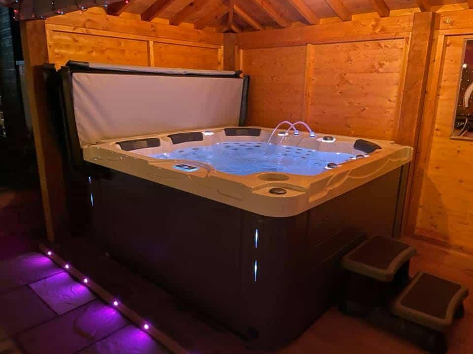 Fiji Hot tub review