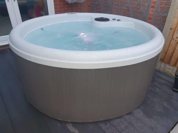 trieste hot tub