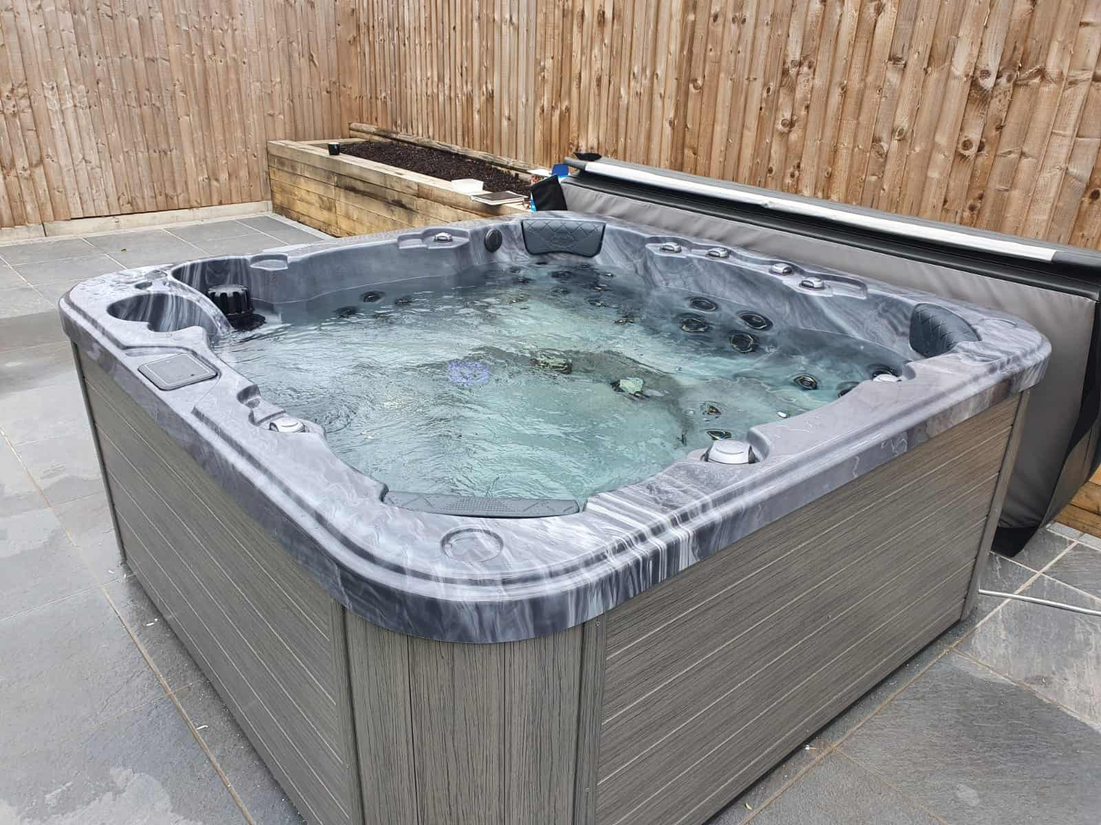 Be Well 782 Elite hot tub