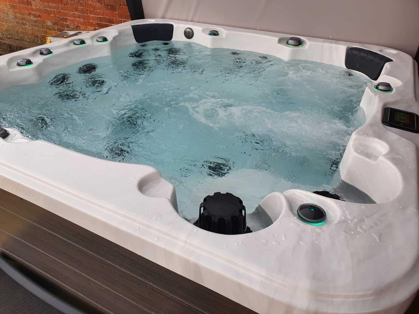 Be Well O782 Elite hot tub