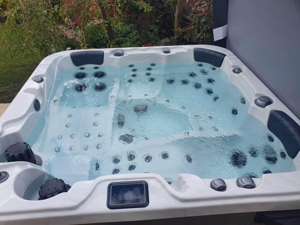 Be Well O578C Elite Hot Tub