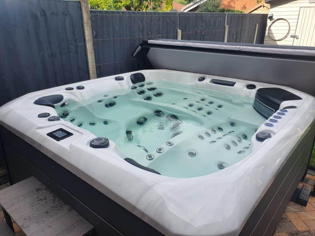 Barcelona hot tub