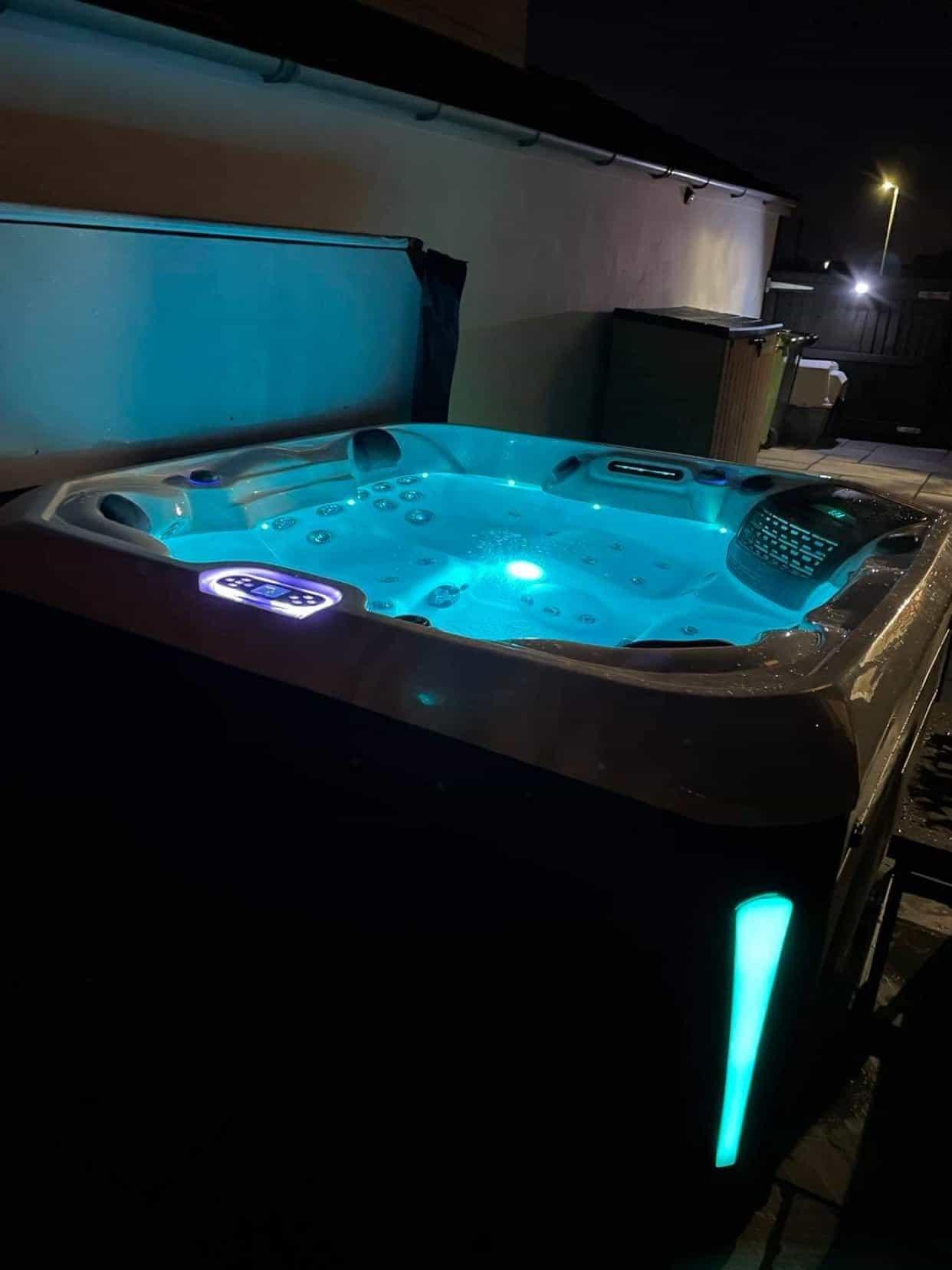 Santorini Hot Tub review